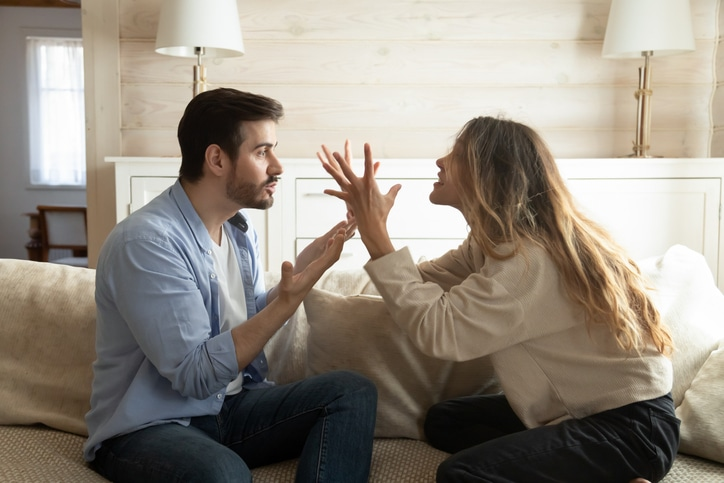 couple in toxic relationshp arguing