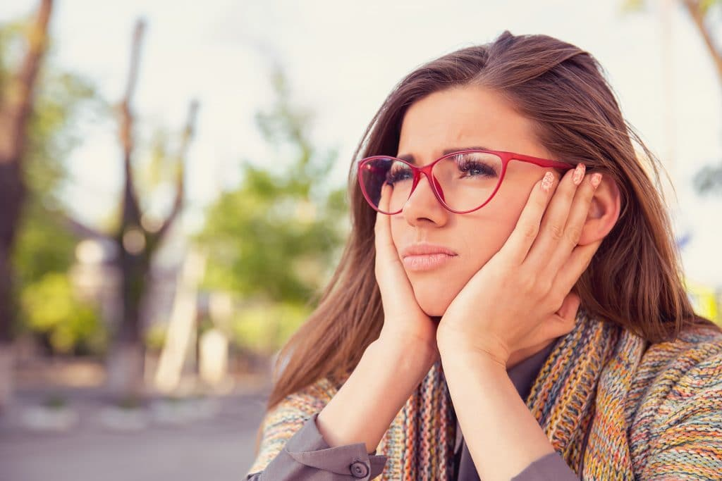 young woman zones out inattentive adhd